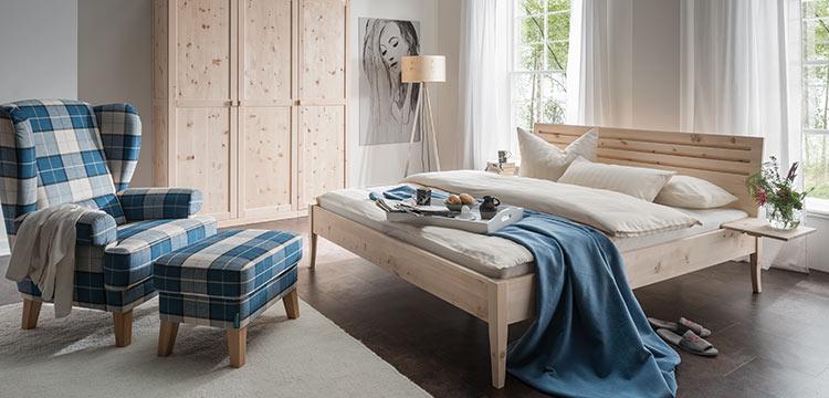 Schlafzimmermöbel, Steppwaren und Heimtextilien